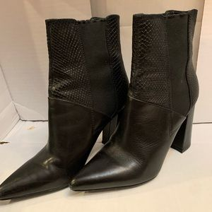 EUC GUESS black textured booties
